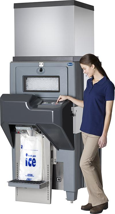 Store clerk bagging ice with Ice Pro
